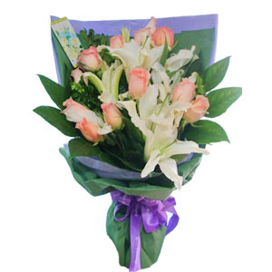 bouquet of roses and lilies macau flowers delivery