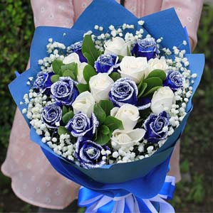 white and blue roses shenyang flowers delivery